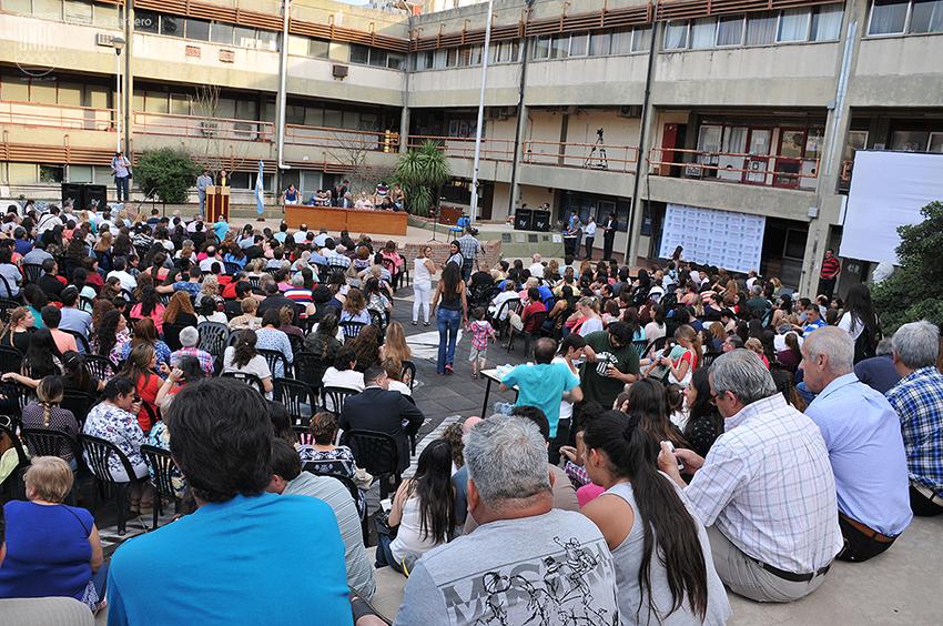 Universidad Barrial - Foto de Archivo
